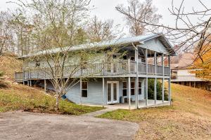 398 Perry Smith Lane, Caryville, TN 37714