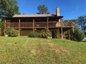 1681 Scenic Woods Way, Sevierville, TN 37876