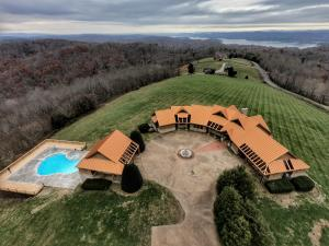 353/357 Loyston Point Rd, Andersonville, TN 37705