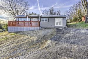 6225 Western Ave, Knoxville, TN 37921