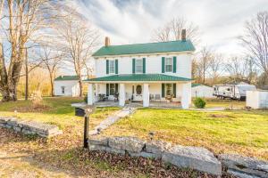 526 Old Middlesboro Hwy, Lafollette, TN 37766