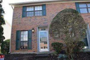 109 Ladbrook Lane, Knoxville, TN 37922