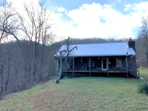 392 Adam Hollow Lane, Pioneer, TN 37847