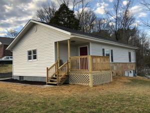 601 Wallace Ave, Rocky Top, TN 37769