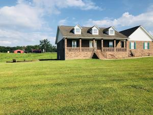 275 Graveyard Rd, Jamestown, TN 38556