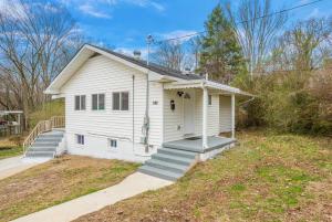 620 W Outer Drive, Oak Ridge, TN 37830