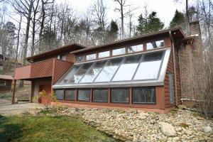 Front of Home w/ Solarium