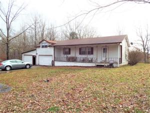 784 Fox Creek Rd, Crossville, TN 38571