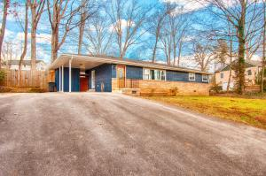 406 Maple Loop Rd, Knoxville, TN 37920