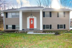 2305 Black Bear Rd, Knoxville, TN 37923