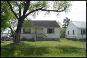 1721 Iroquois St, Knoxville, TN 37915