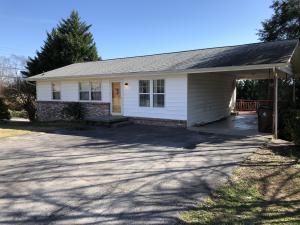 170 N Seneca Rd, Oak Ridge, TN 37830