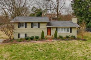 1137 Burton Rd, Knoxville, TN 37919