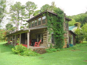 222 Rafter Road Rd, Tellico Plains, TN 37385