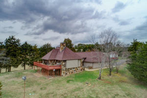 1300 Cobblestone Lane, Dandridge, TN 37725