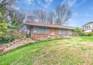 820 Ponder Rd, Knoxville, TN 37923