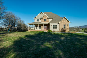 591 Open Range Rd, Crossville, TN 38555