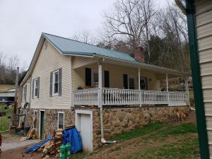 296 Echo Valley Rd, Rocky Top, TN 37769
