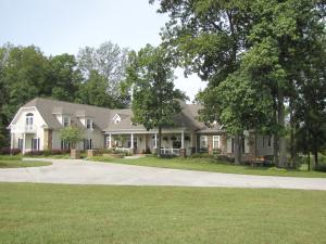 106 Autumn Woods Drive, Sweetwater, TN 37874