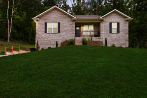 214 Andorra Lane, Clinton, TN 37716