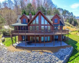 Property for sale at 1376 Indian Shadows Drive, Ten Mile,  Tennessee 37880