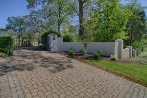 Private/Gated stone paved driveway