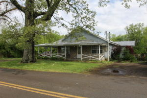 1209 Johnson Rd, Seymour, TN 37865