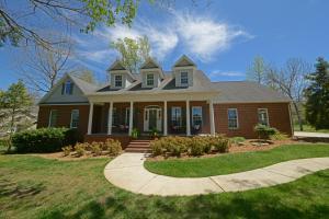 444 Ironwood Circle, Crossville, TN 38571