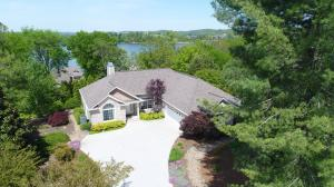 Welcome to 309 Coweta Court. Wonderful lake and mountain views with all the space for entertaining you'll ever need.
