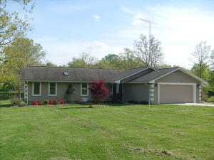 8831 Cherokee Tr, Crossville, TN 38572