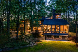 673 Buckhorn Rd, Gatlinburg, TN 37738