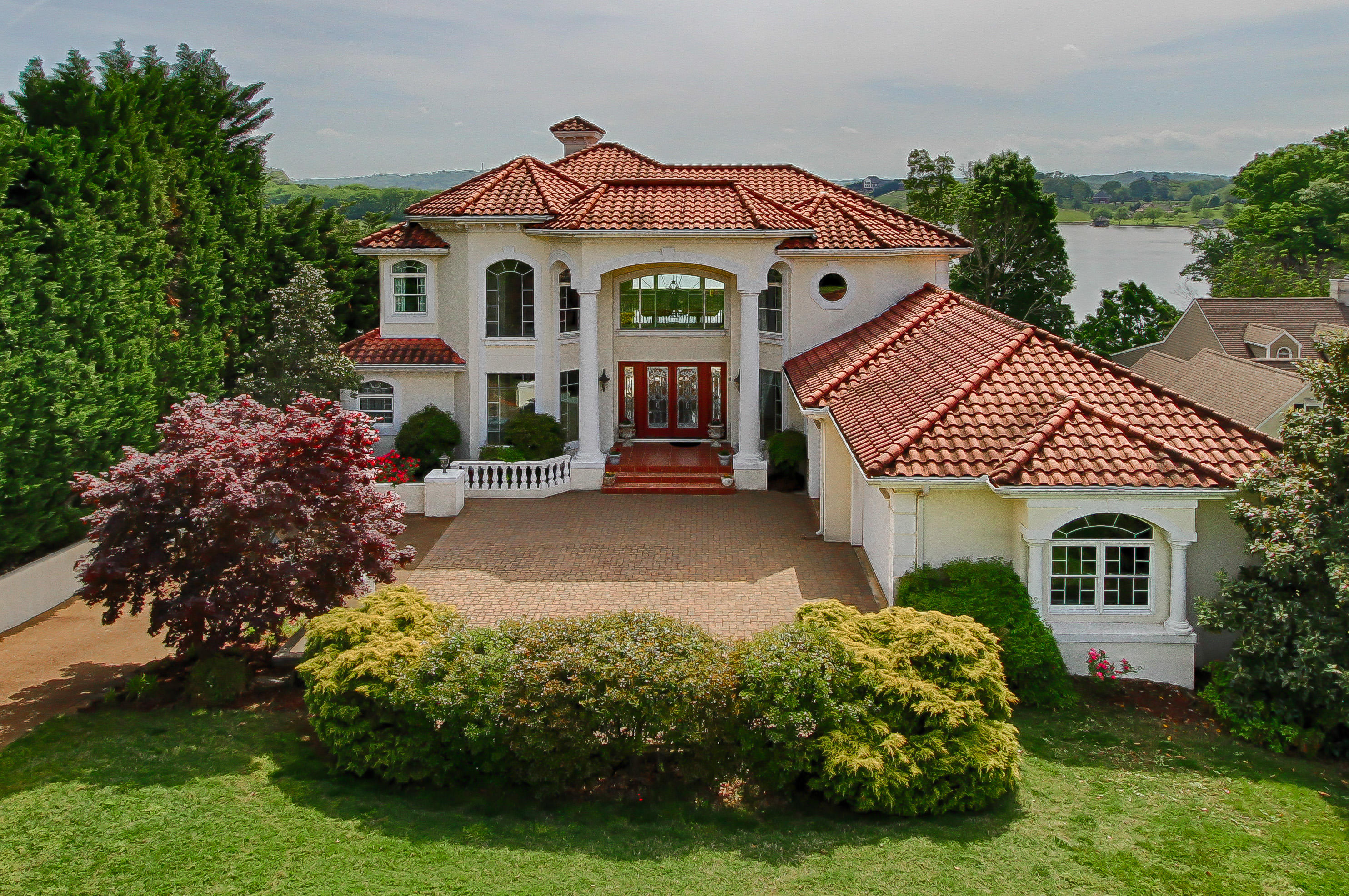 Search Maryville Lakefront Homes in the Foothills of the Great Smoky