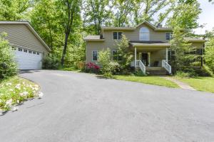 3521 Fox Creek Rd, Louisville, TN 37777