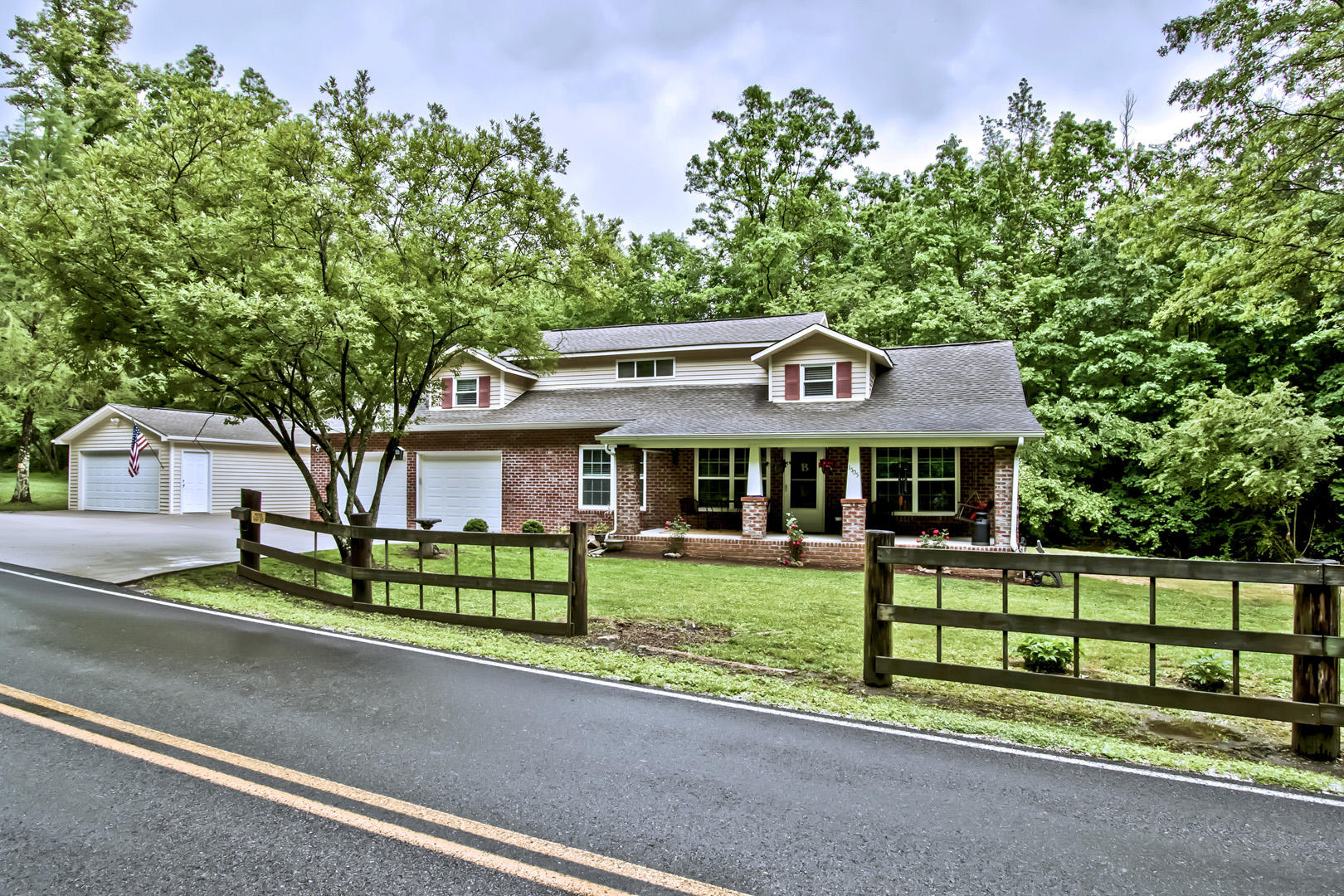 20190517173620781354000000-o Clinton anderson county homes for sale
