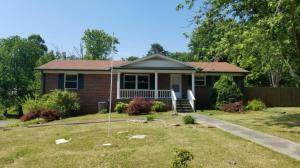 811 Wooddale Church Rd, Strawberry Plains, TN 37871