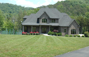 beautiful custom Norris Lake home with boat dock