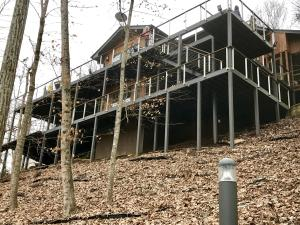 Property for sale at 345 S. Shorewood Drive, Caryville,  Tennessee 37714