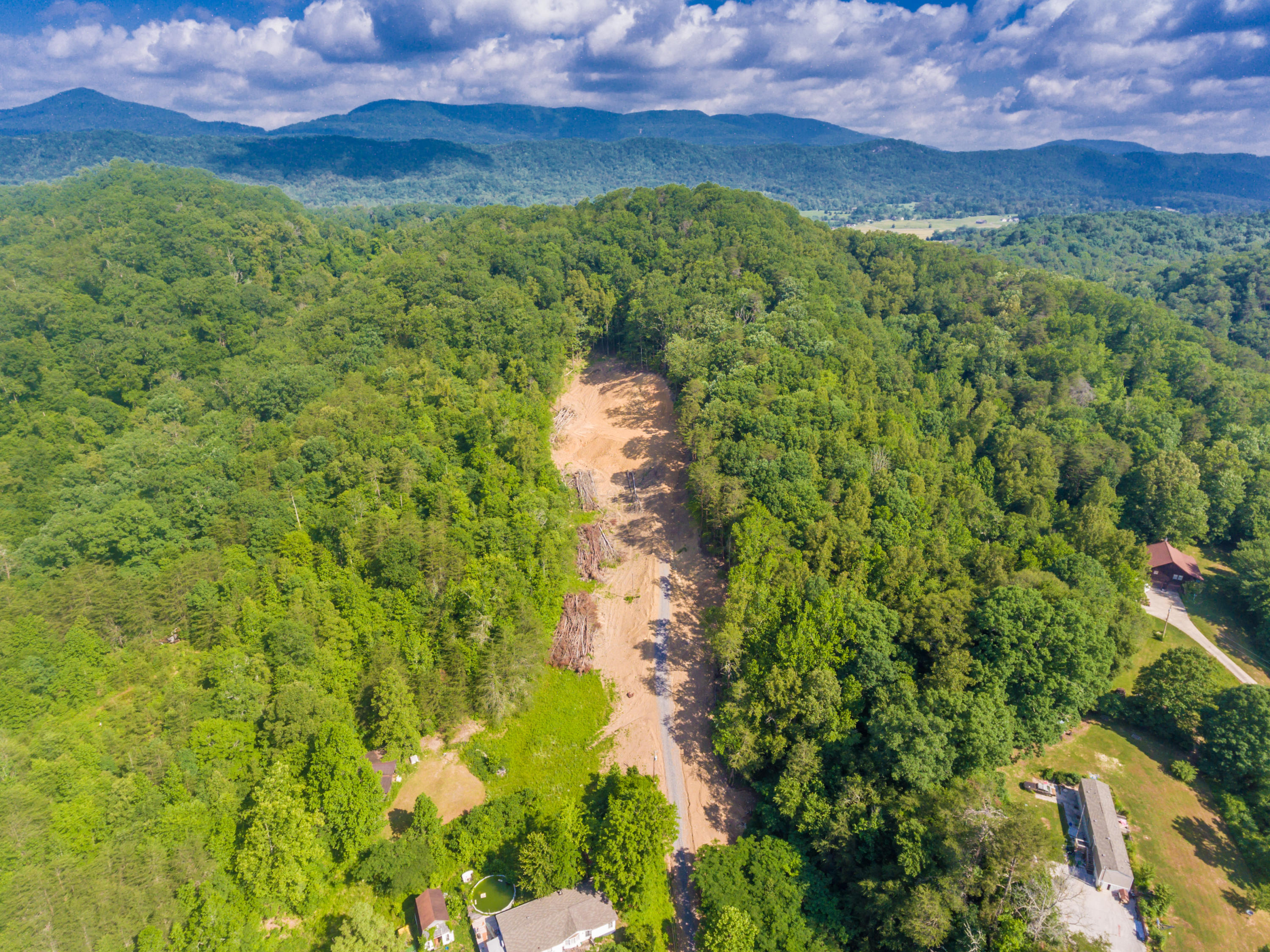 20190602044613688615000000-o Clinton anderson county homes for sale