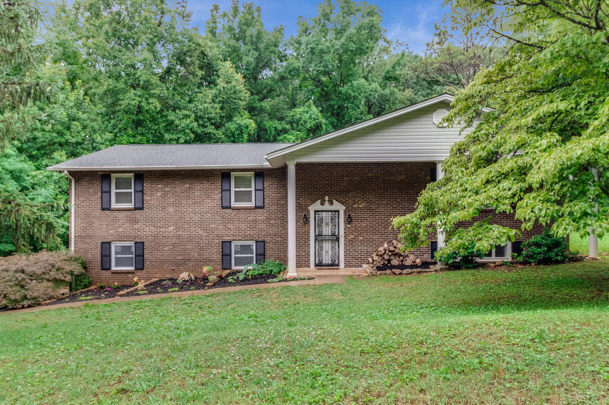 20190613181543546193000000-o Clinton anderson county homes for sale