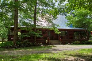 270 Maggie Valley Drive, Jamestown, TN 38556