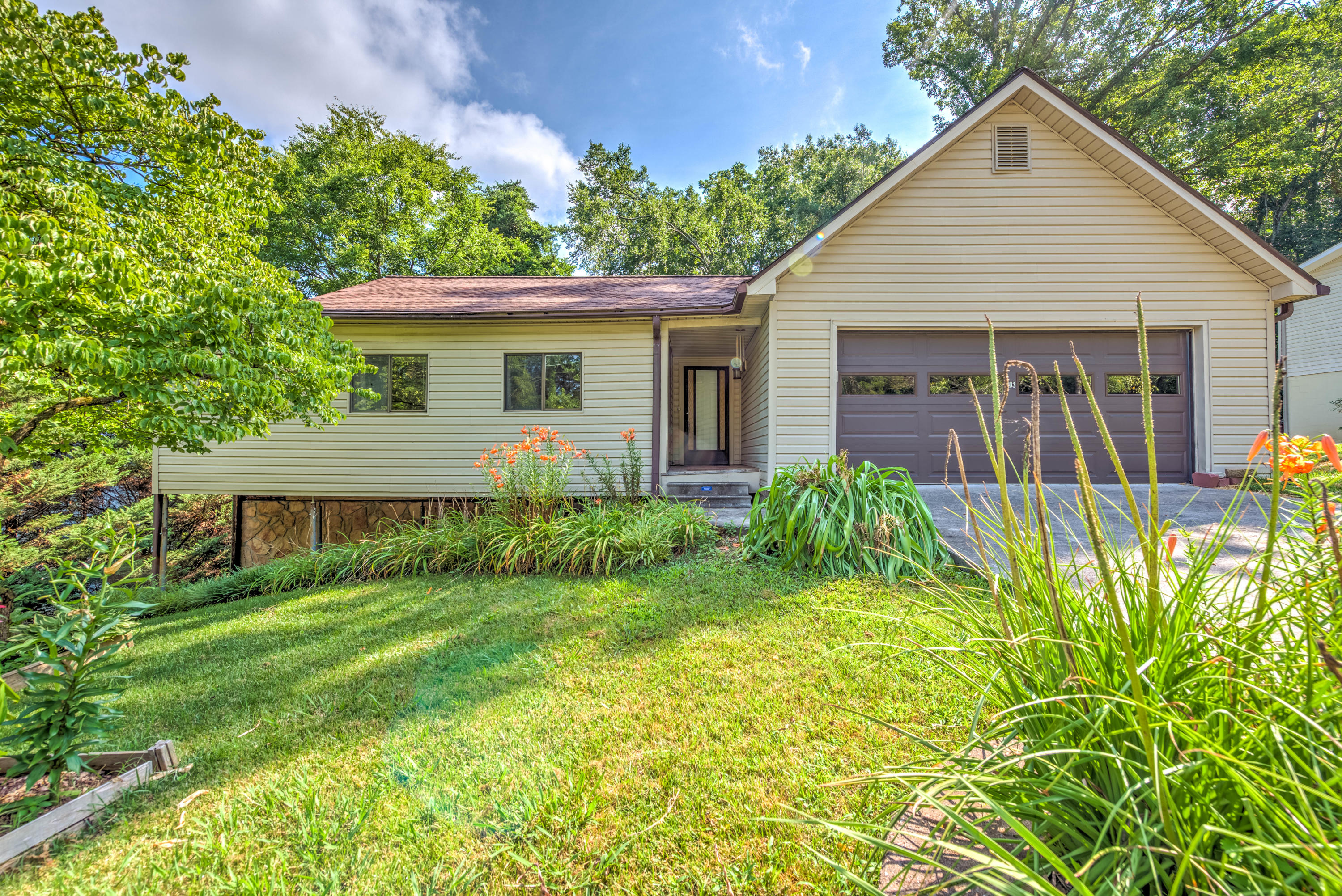 20190708235143349776000000-o Listings anderson county homes for sale