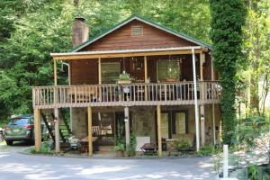 2236 Cove Creek Drive, Sevierville, TN 37862
