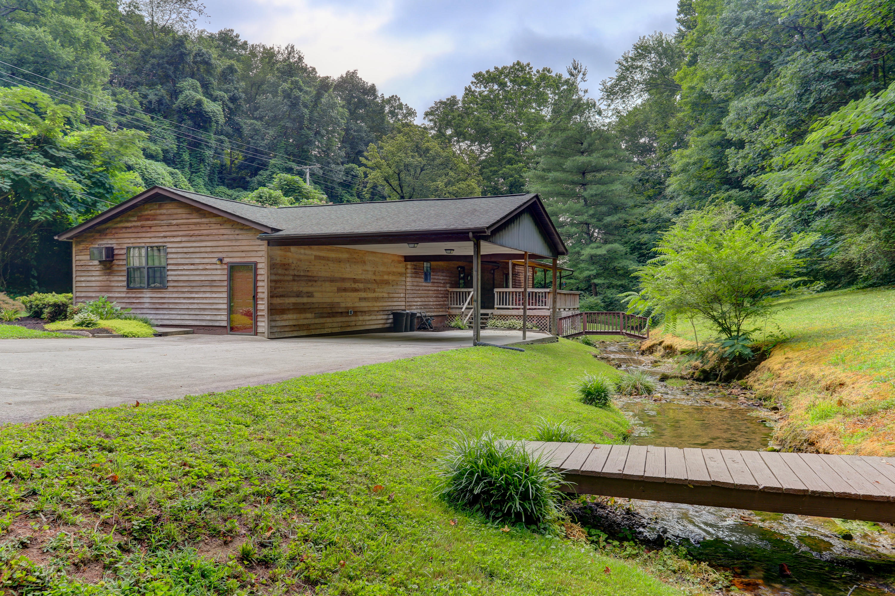 20190715174503214771000000-o Clinton anderson county homes for sale
