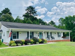 7610 Thompson School Rd, Corryton, TN 37721