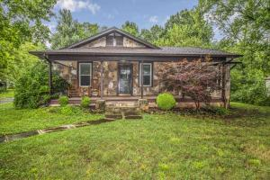 2213 Woodrow Drive, Knoxville, TN 37918