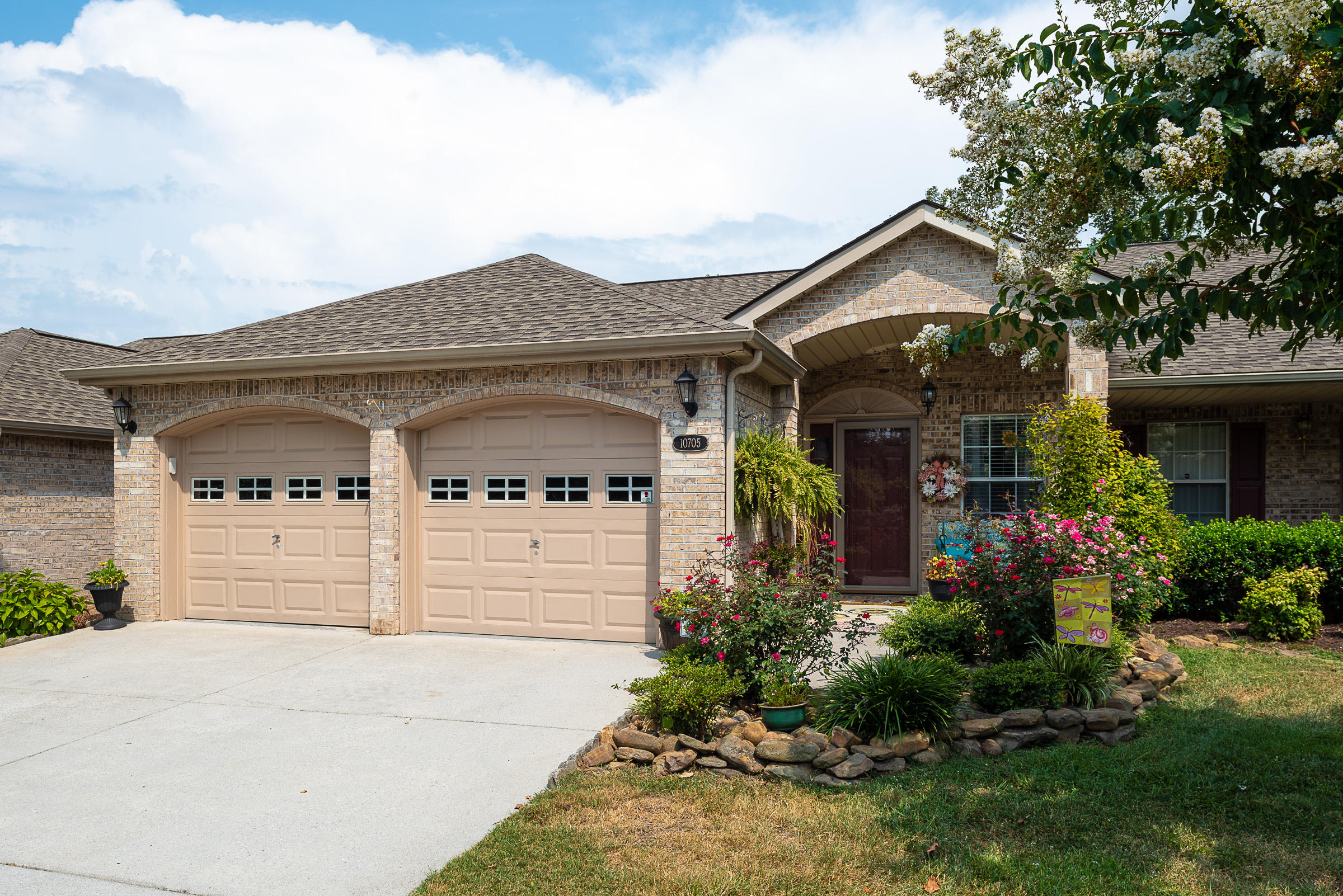 10705 Admiral Bend