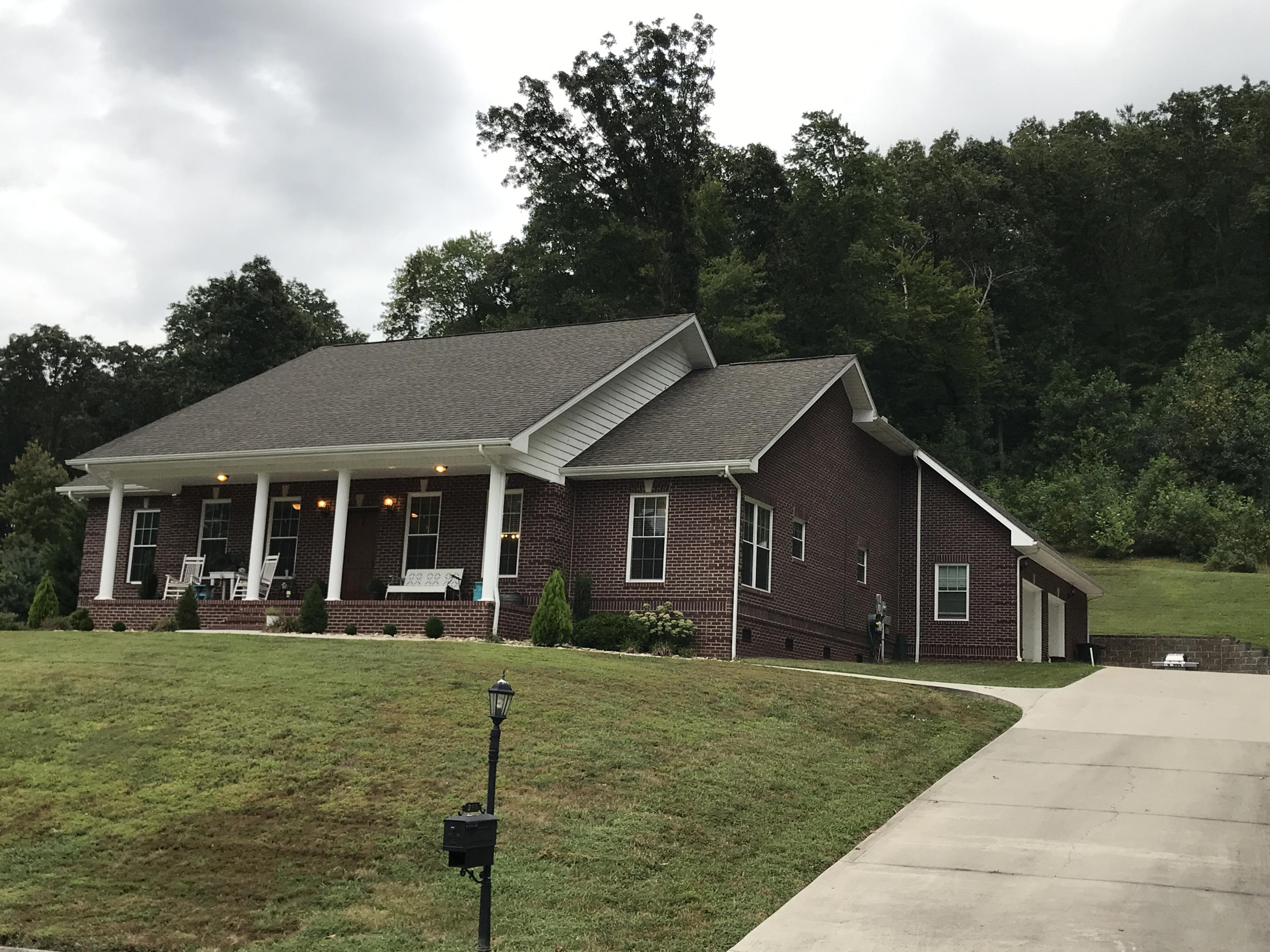 20190823033627351424000000-o Clinton anderson county homes for sale