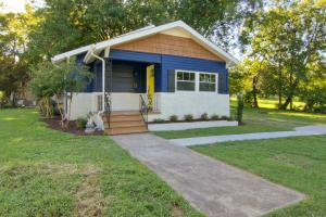 2719 Oswald St, Knoxville, TN 37917