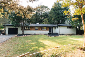 707 Wesley Rd, Knoxville, TN 37909