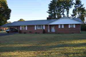 Property for sale at 205 Douglas Ave, Sweetwater,  Tennessee 37874